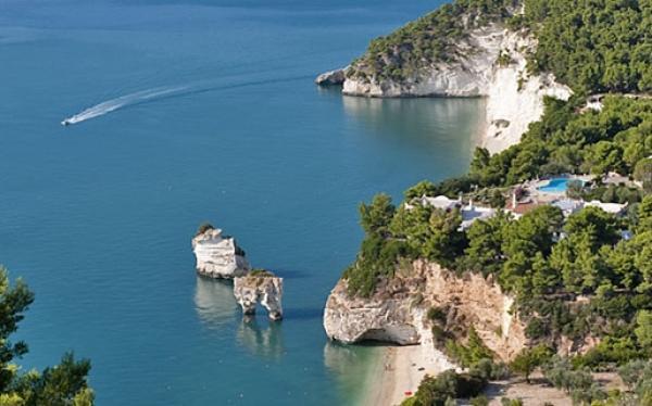 Prezzi e servizi: una guida inedita. Cosa offre la Puglia: iniziativa per il turismo.