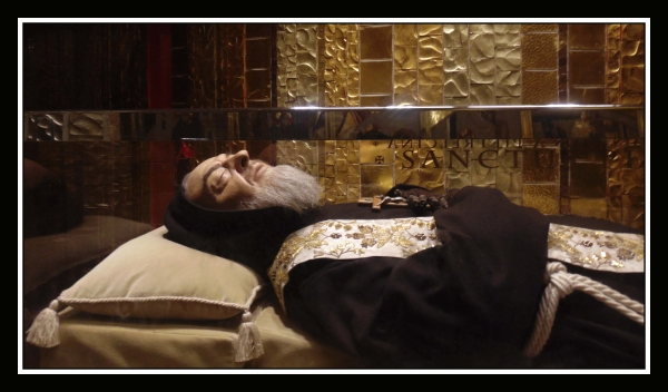 Migliaia di pellegrini per la veglia di S. Pio. Da domani e per tutta la notte per il 49° anniversario della morte del frate