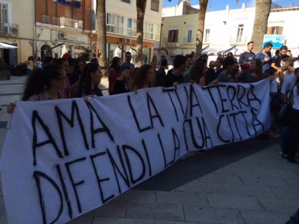 Energas/ Manfredonia dice No: 96. Riccardi: L'azienda faccia un passo indietro