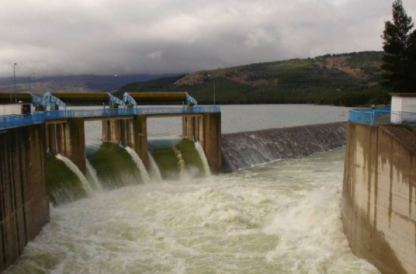 Puglia/ L'acqua scarseggia da ottobre tagli nelle case. Allarme Aqp: negli invasi mancano 220 milioni di metri cubi