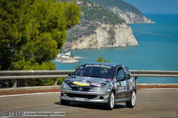 7° Rally Porta del Gargano: dopo la prima giornata in testa l'equipaggio Rizzello-Cicognini.