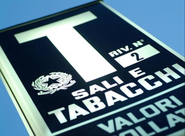 Foggia/ Prefettura, siglato protocollo d'intesa per la prevenzione criminalità tabaccai