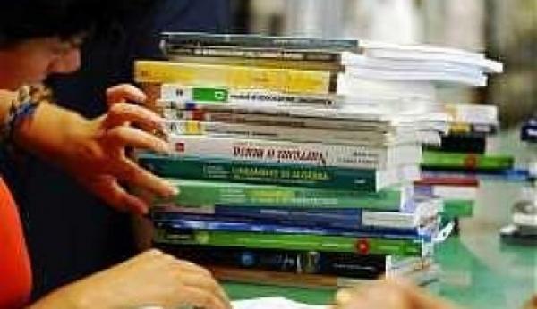 Vieste/ Buoni libro disponibili presso la tesoreria comunale.