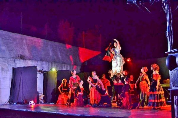 """Torna a Mattinata """"NOTTE GITANA"""" con 25 artisti in scena. Debutto domenica 9 luglio 2016, alle ore 21.45. E poi in scena"""