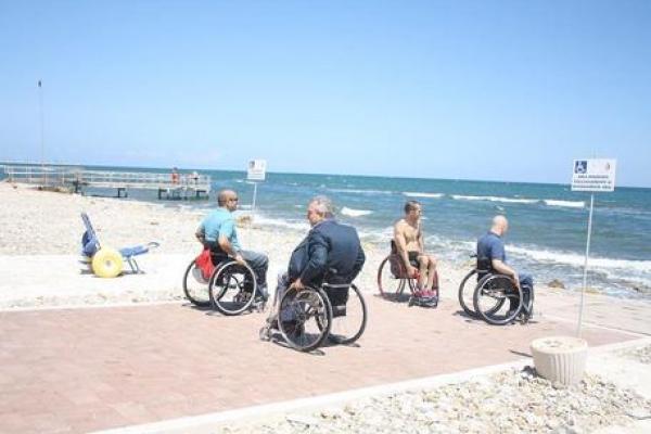 Operazione «legalità in spiaggia» torna il numero verde 800-89-45-00 per le denunce