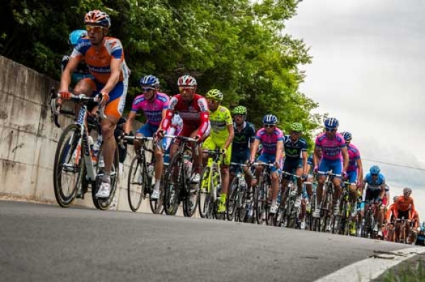 Peschici/ «Stappa la tappa», il Giro d'Italia aiuterà la salvaguardia dell'ambiente. Gli studenti raccoglieranno tappi di plast